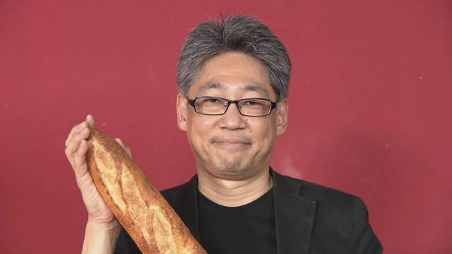カッチカチでゾックゾク!? エッフェル塔より凱旋門より硬いパンに惹かれる男!