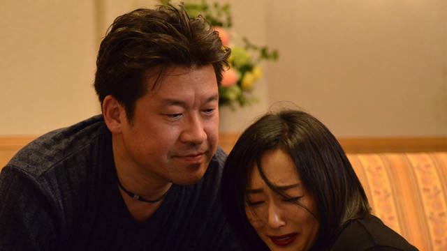 木村多江が悲しみに泣く姿に「いい顔だよ」…クズすぎる佐藤二朗の怪演が話題!『ブラックリベンジ』