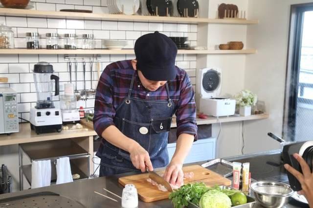 料理男子「COOK BOSS」チャンピオン秘伝の簡単激ウマレシピで作る超本格海南鶏飯!