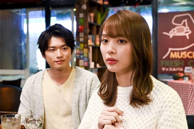 内田理央、SNSの生配信でドラマをリアル再現!新演出が話題の『向かいのバズる家族』
