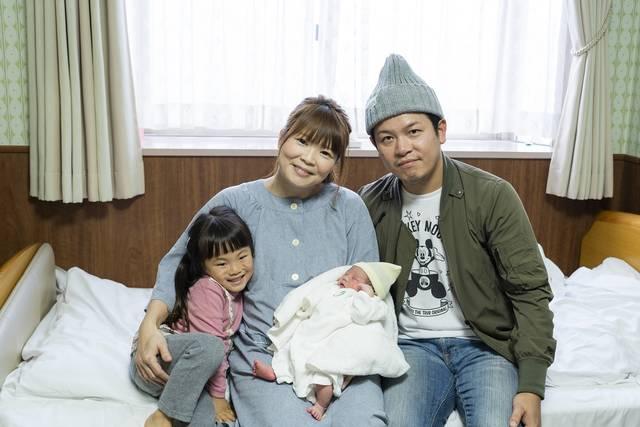 12年間、その日生まれたばかりの赤ちゃんを取材・紹介してきたニュース番組のコーナー『めばえ』。その舞台裏に迫る!【前編】