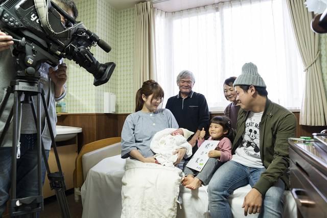 12年間、その日生まれたばかりの赤ちゃんを取材・紹介してきたニュース番組のコーナー『めばえ』。その舞台裏に迫る!【後編】