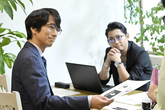 ついに同志と出会い、ファンシーショップへ!「仲間がいる嬉しさはよーく分かる」眞島秀和主演『おじさんはカワイイものがお好き。』